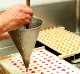 zuccotti-fabbrica-cioccolato-sidebar-top - Botteghe Storiche Genova
